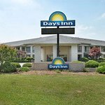 Welcome to the Days Inn Spartanburg - Waccamaw