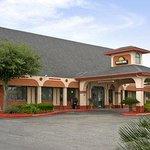Welcome to the Days Inn San Antonio - East