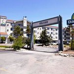 Nestled in the heart of the Colorados majestic Rocky Mountains, the Days Inn offers the best loc