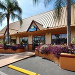 Welcome to the Days Inn Tampa/ West of Busch Gardens