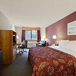 Photo de Days Inn Grand Haven