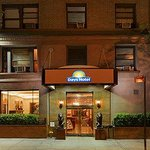 Photo de Days Inn Hotel New York City-Broadway