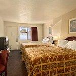 Photo of Park Avenue Inn & Suites