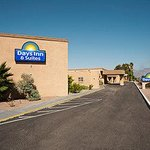 Welcome to the Days Inn and Suites Tucson