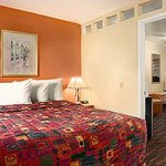 Days Inn & Suites Tucson AZ