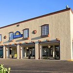 Welcome to the Days Inn Santa Fe-Cerrillos Rd