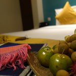 free scarf and fruits