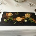 Scallop starter - great presentation, disappointing taste and texture :(