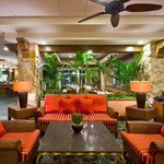 Holiday Inn Coral Gables Lobby Lounge