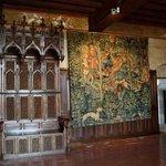 magnifique mobilier et tapisserie
