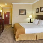 Holiday Inn Express Natchitoches King Bed Guest Room