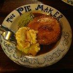 Yummy Pie with devine gravy!