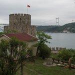 Вид из крепости на мост