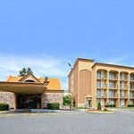 Howard Johnson Inn Clifton NJ