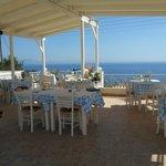 Gedeelte van het restaurant ,ook met uitzicht over zee.