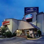 Foto de Howard Johnson Express Inn - Arlington Ballpark / Six Flags