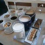 Reichhaltiges Frühstücksbüfett