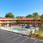 Photo of Howard Johnson Express Inn & Suites South Tampa Airport