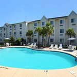‪Microtel Inn & Suites by Wyndham Carolina Beach‬