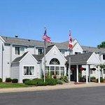 Photo of CenterWay Hotel