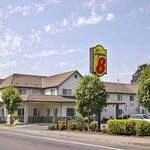 Welcome to the Super 8 Gresham