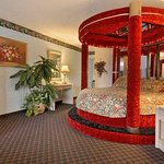 Moulin Rouge Jacuzzi Suite with MicroFridge