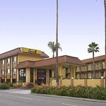 Welcome to the Super 8 Anaheim/Disneyland Drive