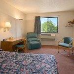 Super 8 Motel - Long Prairie