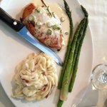 Chicken breast with mashed potatoes and asparagus, good tavern fare