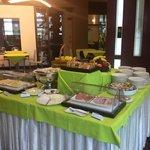 Il ricco e variegato buffet breakfast