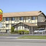 Welcome to the Super 8 Missoula Brooks St