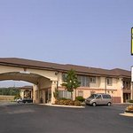 Welcome to Super 8 Decatur/Priceville