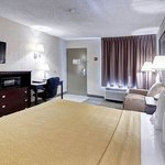 MSQuality Inn Moss Point King Room