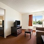 Days Inn & Suites Rancho Cordova