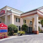 Welcome to the Ramada Limited Clearwater Hotel and Suites