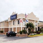 Photo de Travelodge Fort Myers