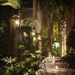 The Planters Inn Courtyard