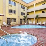 Indigo Courtyard Inn And Suites