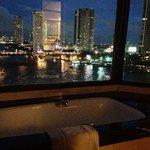 Shangri la .. Nehire karşı duş keyfi :)