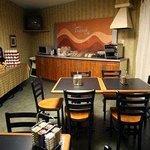 DayBreak Cafe Room