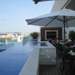 Fabulous Insu Sky Bar and daytime pool
