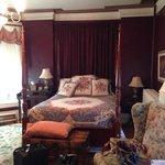 Cranberry room