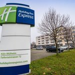 Enjoy your stay at Holiday Inn Express Cologne Muelheim
