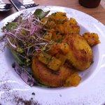 Aloo Tikki con chutney de piña o mango