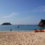 La playa del hotel y los kayaks gratuitos