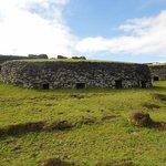 Pueblo ceremonial entre los prados altos