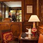 Bar at Hotel Amarante Beau Manoir