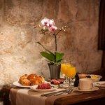 Breakfast room at Hotel Amarante Beau Manoir
