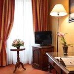 Deluxe room at Hotel Amarante Beau Manoir