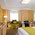 Holiday Inn Bangkok Silom Executive Club Double Bed Room